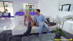 Busty female soldier Anna Bell Peaks punishes a drunken impudent sailor