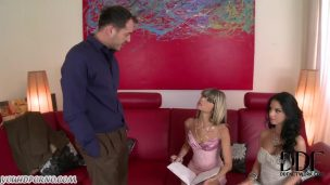 Sex servant Kate England will show you how to behave on Valentine's day