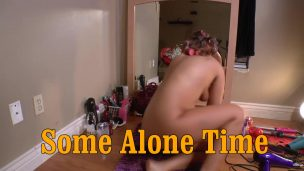 Watching a movie with a new boyfriend and his pussy, I waited until the man fell asleep…