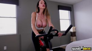 Babe makes her snatch for a incredible hardcore Porn videos