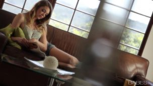 Hot Babe tries her first double Anal and oh, that Babe can not do it without you Porn videos