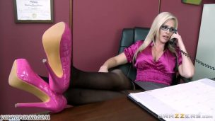 Blonde Cums Fucking Woman With Glasses