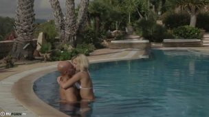She Made Love With Her Boyfriend In The Pool