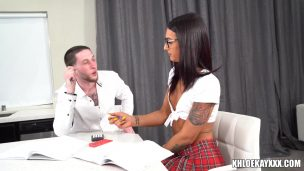 wHigh School Girl Puts It On The Table And Fucks It